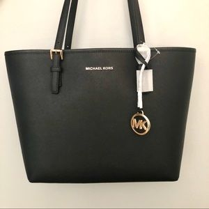 NWT✨ Michael Kors Jet Set Travel Md. Carryall Tote